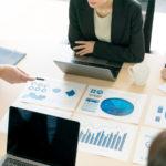資産運用の相談相手は誰が適切?保険担当者、金融業界の知人、お金のプロを比較検討